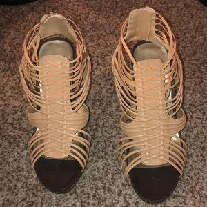 Nude Stretchy Heels! So Hot! Worn Once! Size 9!